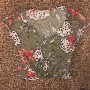 Cropped Roxy Shirt... Really Pretty